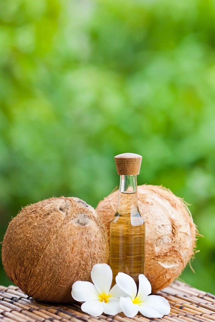 ee-coconut-oildreamstime_m_21262617